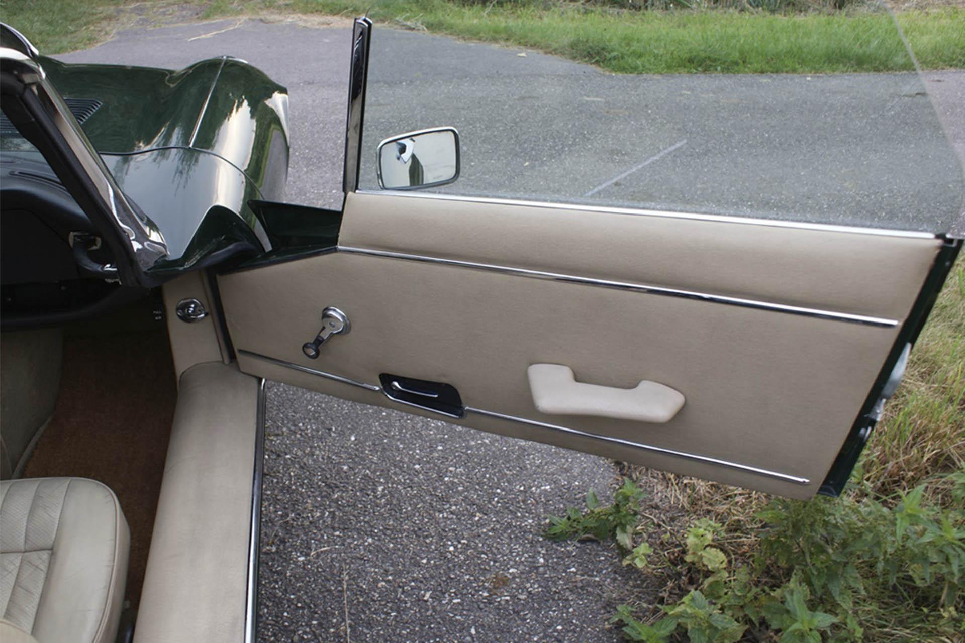 Real Art On Wheels | 1974 Jaguar E-Type Series III V12