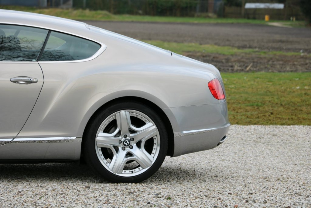 Real Art on Wheels | Bentley Continental GT