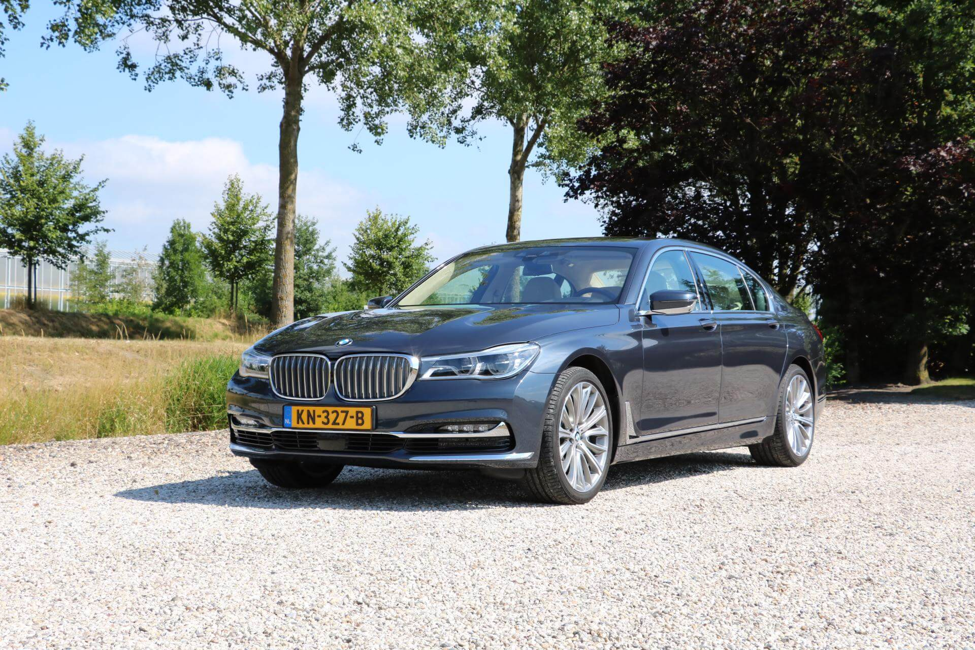 Real Art on Wheels | BMW 750 Li