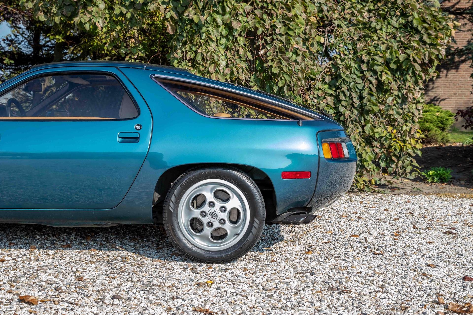 Real Art on Wheels | 1980 Porsche 928