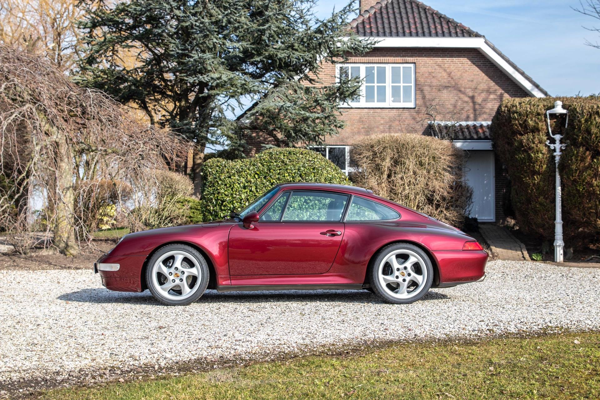 Real Art on Wheels | Porsche 993 Carrera 2S Arenarot