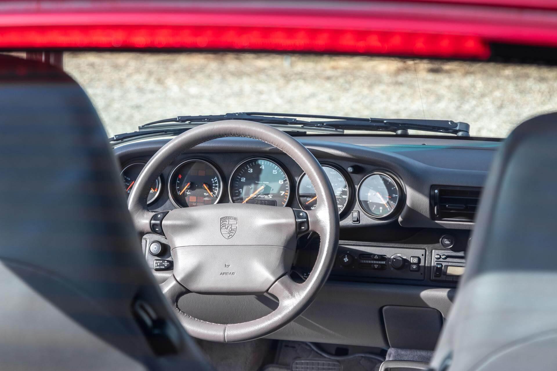 Real Art on Wheels | Porsche 993 Carrera 2S Arenarot