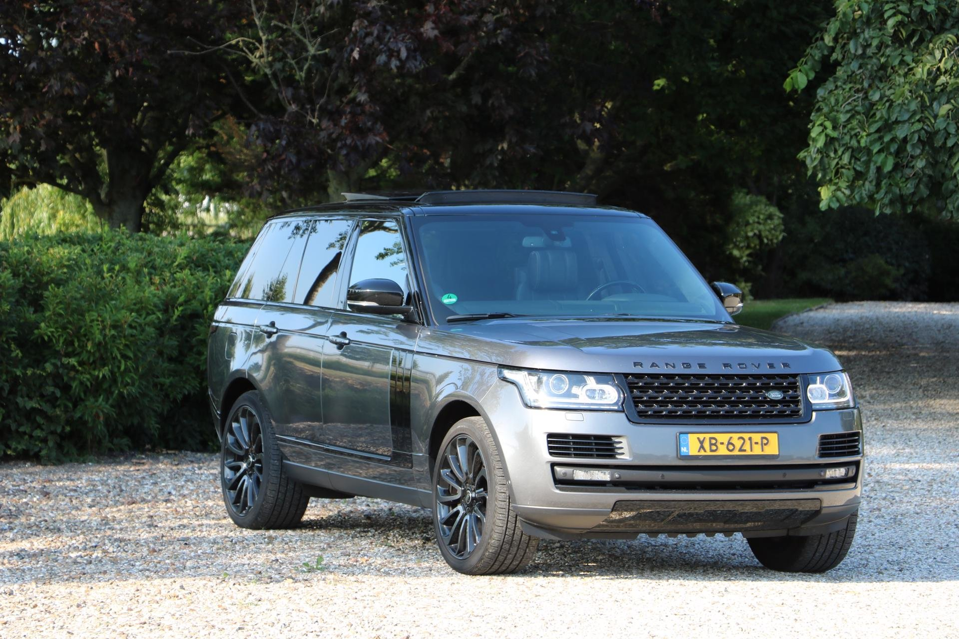 Real Art on Wheels | Range Rover Autobiography SDV8
