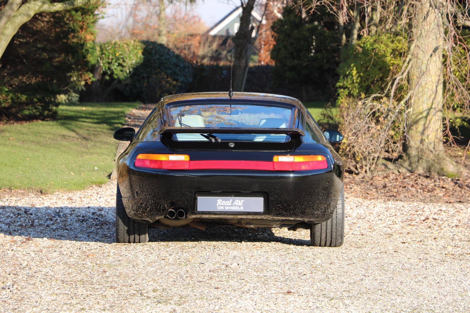 Real Art on Wheels | Porsche 928 GTS
