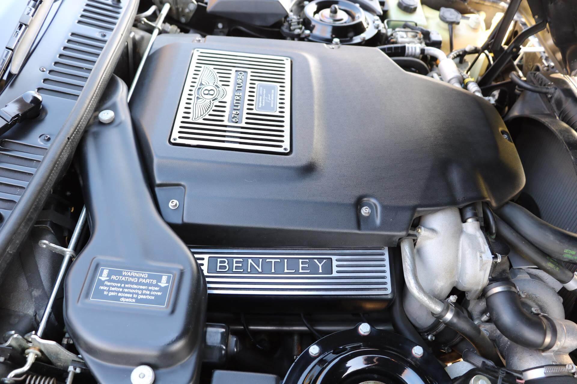 Real Art on Wheels | Bentley Azure Widebody