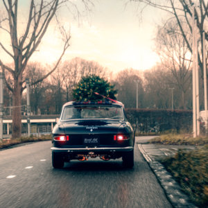 Real Art on Wheels | Ferrari 330 GT 2+2 Christmas Ferrari