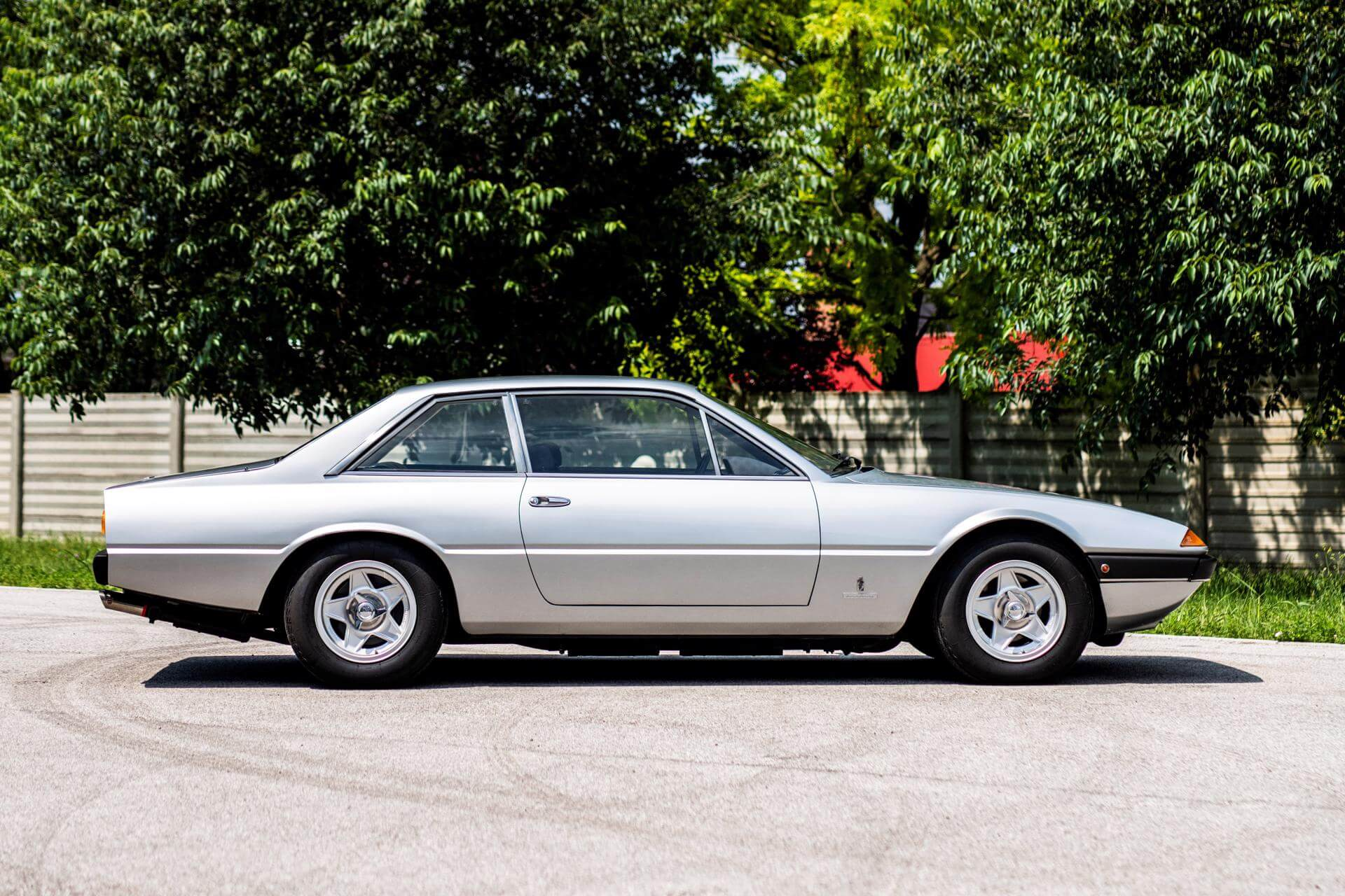 Real Art on Wheels | Ferrari 365 GT4 2+2